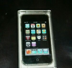 NEW APPLE IPOD TOUCH 3RD GENERATION A1318 MC008LL/A 32GB mp3 player
