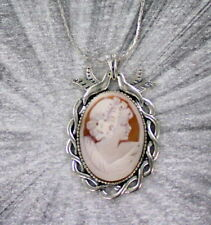 VINTAGE ANTIQUE SHELL CAMEO PENDANT, NECKLACE --------- CARVED IN ITALY w CHAIN