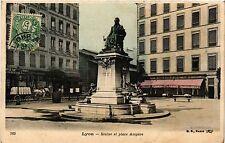 CPA LYON-Statue et Place Ampere (427349)