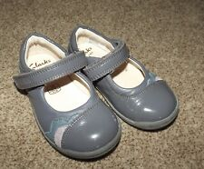 GIRLS CLARKS FIRST SHOES 5G INFANT  GREY LEATHER & PATIENT 5 G   21W 5.5W