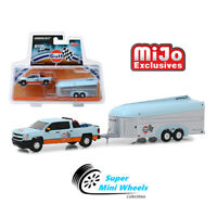 Greenlight 1/64 Hitch & Tow Gulf 2017 Chevrolet Silverado with Aerovault 51243