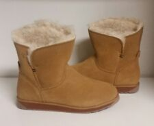 EMU Australia Overland Lo Sheepskin Ankle Boots -Size 6 -New in Box