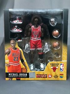 (US Stock) Authentic Medicom Toy Mafex No.100 Michael Jordan Chicago Bulls