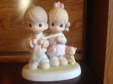 """1999 Precious Moments """"Bless Be the Tie that Binds"""" Figurine #520918"""