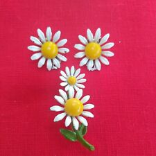Earrings & Pin Vintage Enameled Daisy Clip