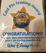 Top Dog Stitch Star Pin Trader Disney Cast Exclusive Trading Award WDW Pin signe