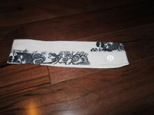 LULULEMON FLY AWAY TAMER HEADBAND in billie floral black and white o/s