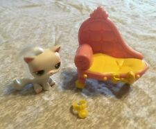 Littlest Pet Shop Portable Pets Play Set (cat #148, long chair, collar, no bow)