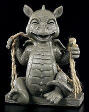 Garten Figur - Lachender Drache auf Schaukel - Gartenfigur Fantasy Statue Dragon