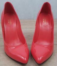 100% Authentic Gucci Coral Patent Leather Heels Pumps Beautiful Colour & Shape!