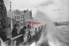 PHOTO  1950 ROUGH SEA AT HOVE WAVES BREAK OVER KING'S ESPLANADE. THE SQUARE BUIL
