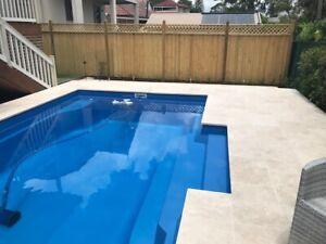 FRANKSPOOLS - Pools / Fibreglass Swimming Pools 8.0 x 4.2 mtr Cosmopolitan