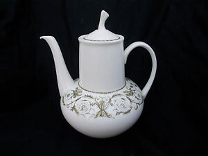 Wedgwood PERUGIA. Coffee Pot. Large size 2 1/4 pint.