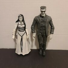 The Munsters black and white figures diamond select