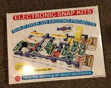 ELECTRONIC SNAP KITS ELECTRONICS 202 - OVER 300 PROJECTS and OVER 60 PARTS