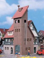Vollmer 49550 Feuerwache mit Schlauchturm Feuerwehr Fachwerk Z Bausatz Neu