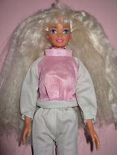 B90-Barbie Mattel entièrement mobiles Brillant Rose-Gris Jogging-costume + chaussures