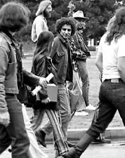 1969 ABBIE HOFFMAN at the University of Oklahoma For Protest  PHOTO  (176-L)