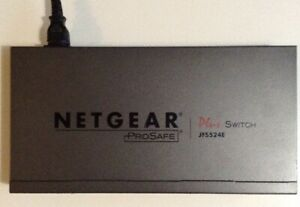 B-Switch NETGEAR ProSafe Plus JFS524E 24-Port 10/100