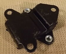 CLASSIC MINI ENGINE MOUNT WITH CAPTIVE NUT - MANUAL GEARBOX ONLY - 21A1902ST