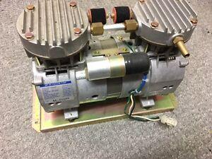 Mitsumi MP-80 100V A.C Vacuum Pump