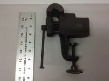 """VINTAGE  BENCH /TABLE VISE 2 1/2"""" JAWS HEAVYDUTY"""