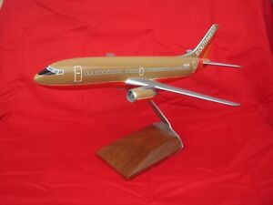 Southwest Airlines 737 1/100 Model Desktop Airplane  WESCO