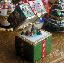 Mr. Christmas Gift Box Wind Up Music Box ( Christmas Limited Edition)