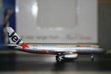 Aeroclassics 1:400 Jetstar Valuair Airbus A320-200 9V-VLF (AC9VVLF) Model Plane