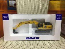 New! Universal Hobbies UH8120 Komatsu PC490LC-11 Excavator Heavy Duty 1:50 Scale