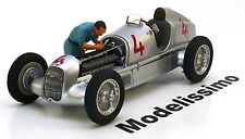 1:18 Figutec Figur mechanic from Auto Union racing team changes sparks