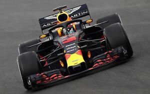 Daniel Ricciardo - Red Bull F1 Diver Large Poster / Canvas Picture Prints
