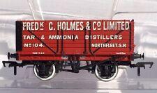 Bachmann Pt 37-080Q  #104 - 7 Plk End Door Wagon 'Frederick Holmes & Co.' - NEW