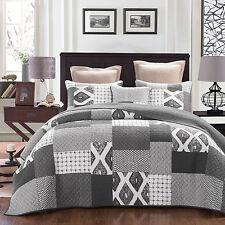 Quilt Coverlet Super King Size 265cm x 285cm L/Grey & D/Grey Inc 2 pillowcases