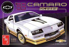 AMT 1051 1983 Chevy Camaro Z-28 (50th Anniversary)Plastic model kit 1/25