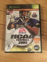 EA SPORTS NCAA FOOTBALL 2005 - XBOX - COMPLETE WITH MANUAL - FREE S/H - (GG)