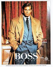 Publicité Advertising  068  1986   Hugo Boss  manteau pure laine homme
