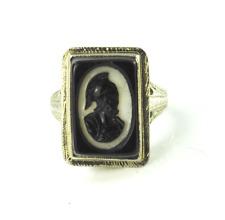 14kwg Black & White Carved Agate Rectangle Filigree Ring 16mm Size 4