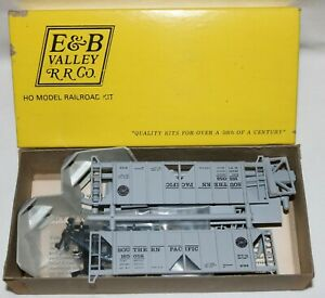 E & B Valley Railroad 18-5013 HO Southern Pacific ACF 70 Ton Covered Hopper NOS