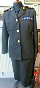 Woman Officer's uniform of the Royal Logistic Corps