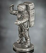 Buzz Aldrin pilot on the Apollo 11 mission  landed on the moon 54mm, Scale 1:32