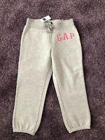 GAP ++ Jogginghose Gr. 128 (M bis 1,30m) grau mit Fleece mit ETIKETT $ 23