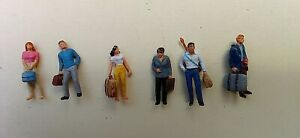 6 Painted Preiser Figures HO 1/87 Scale Pedestrians with Bags/Cases