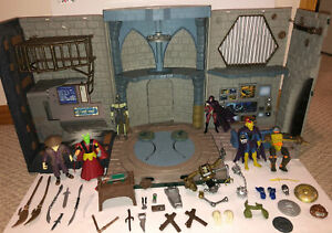TMNT 2003 SEWER PLAYSET WITH 7 FIGURES, WEAPONS & ACCESSORIES