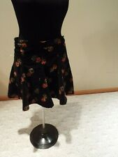 Ladies free people black red floral Corderoy Skirt Size 8 CUTE cotton free ship