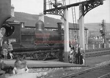 PHOTO  GWR LOCO  2538 AT TREHERBERT RAILWAY STATION (2) ON 12TH MAY 1956 (2)
