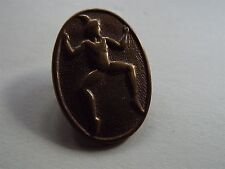 Vintage Girl Guides Pin Badge Brownie Scout (refn43D)