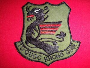 ARVN Air Force Pilot Insignia TO QUOC KHONG GIAN Vietnam War Subdued Patch