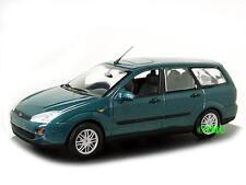 Ford Focus Turnier    1998-2004  grün metallic    /  Minichamps  1:43