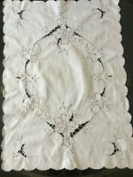 """VINTAGE Off White Madeira Lace Rectangular Table Centre Traycloth 16 X 22"""""""